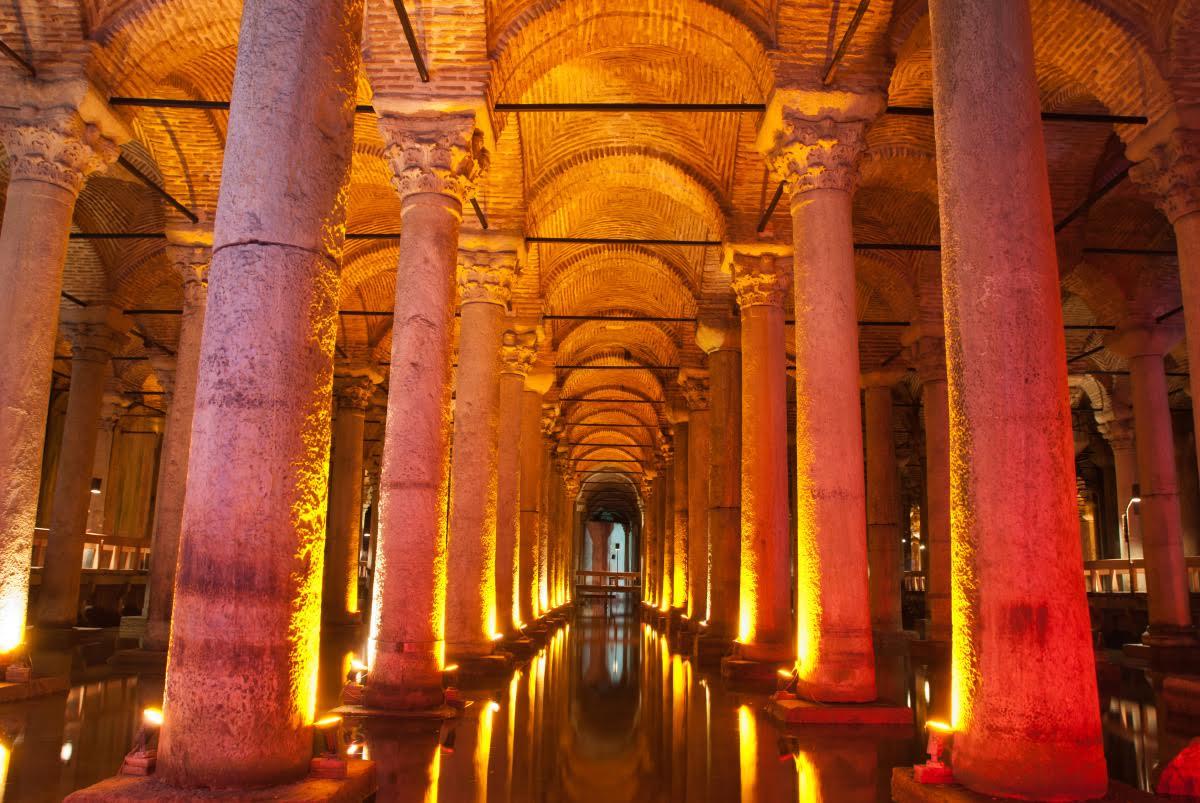 Достопримечательности Стамбула. Цистерна Базилика (Цистерна Йеребатан)